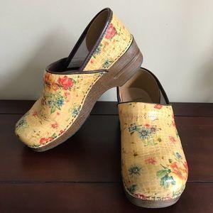 Dansko Shoes - Dansko's floral shoes